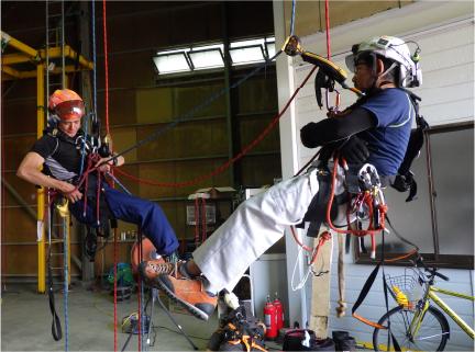 ロープアクセストレーニング/講習会の様子02